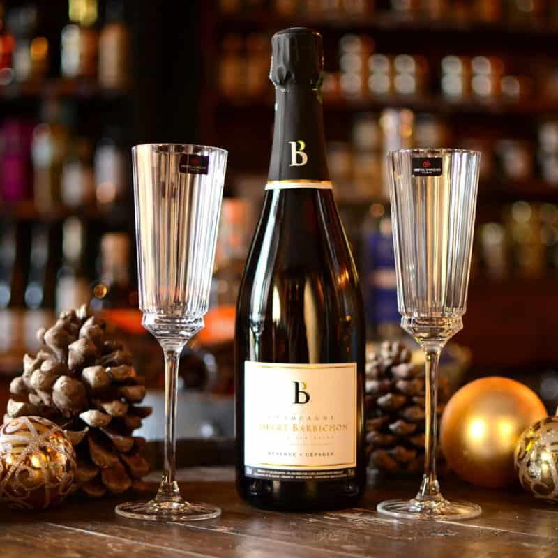 L'excellent Champagne de Robert Barbichon et les 2 flûtes de cristal